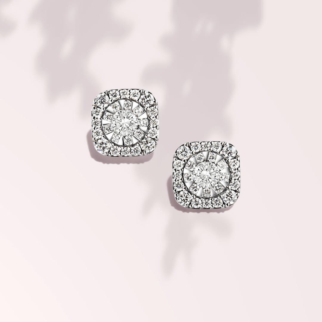 0.97cttw Diamond Stud Earrings